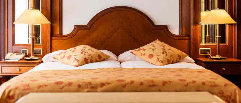 switzerland_zermatt_parkhotel-beausite_bedroom.jpg